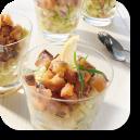 Salade de harengs, pomme et concombre en verrine