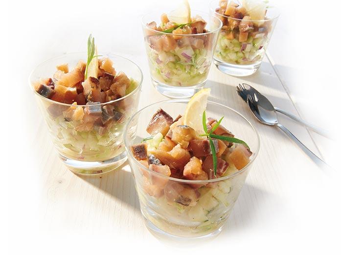 Salade de hareng pommes et concombre en verrine